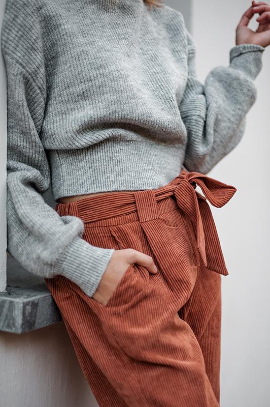 L'automne est la saison idéale pour composer des tenues. Superposer les couches, associer différentes matières et motifs, les choix sont nombreux !